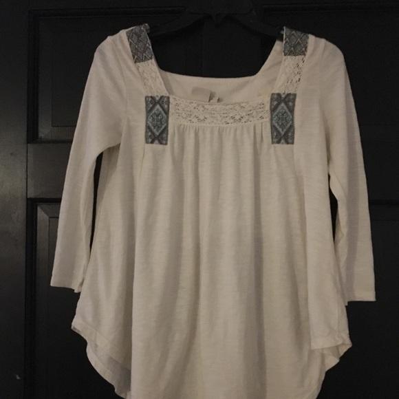 Mudd Tops - Cream 3/4 sleeve shirt